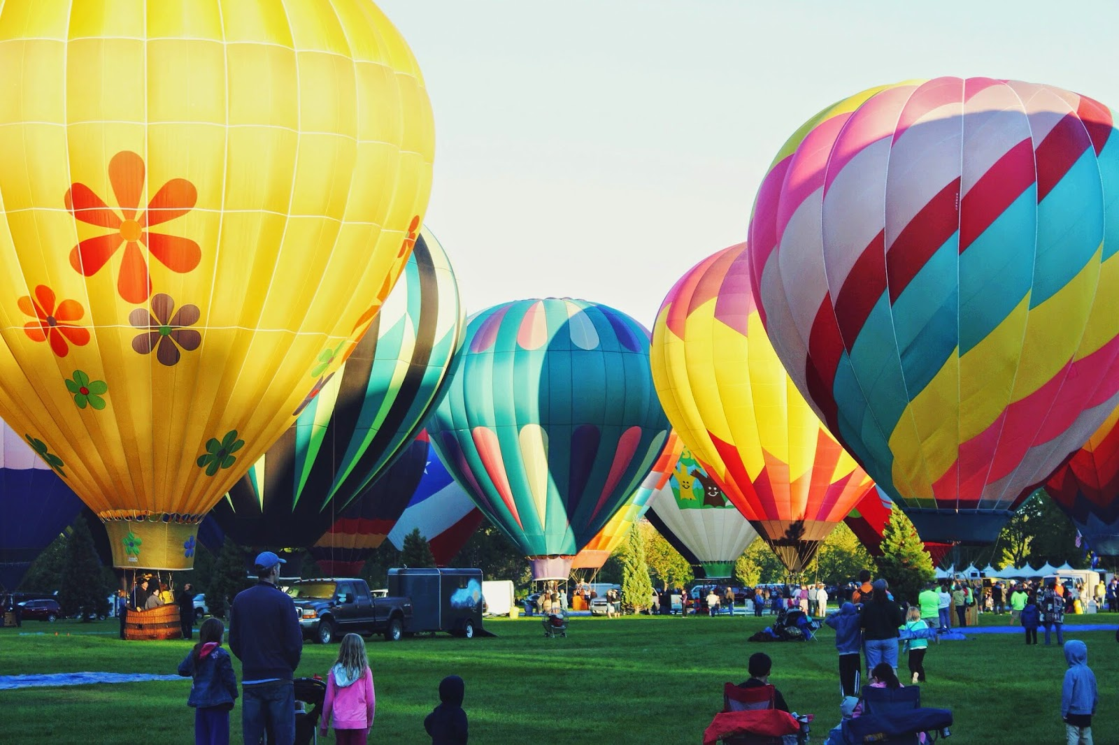 balloons%2Bready%2Bto%2Blaunch.jpg
