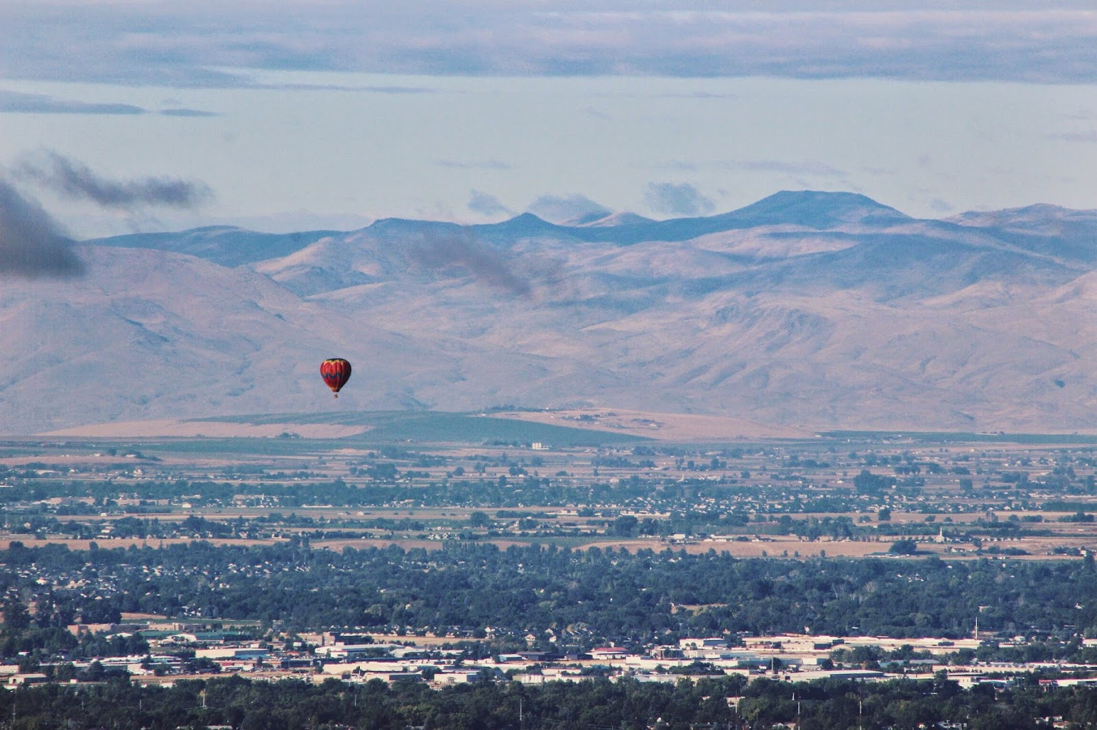 balloon%2Bover%2Bthe%2Btreasure%2Bvalley.jpg