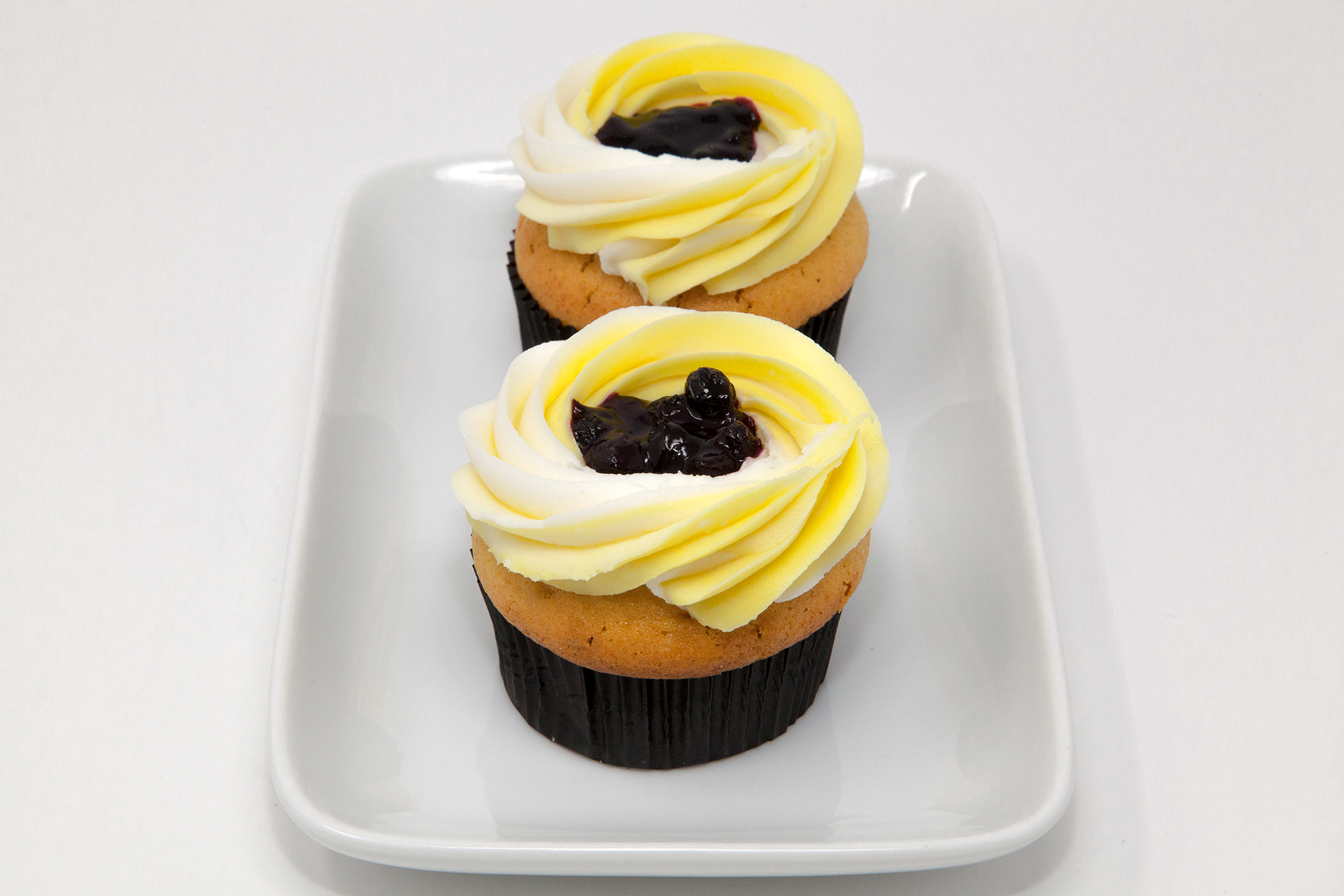 Double Stuffed Lemon & Blueberry Pie Cupcakes