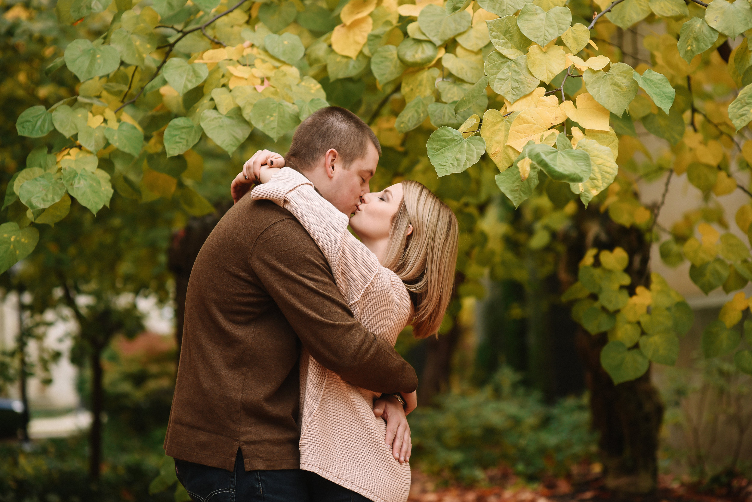 Law_Quad_Ann_Arbor_Engagement_Photos-15.jpg