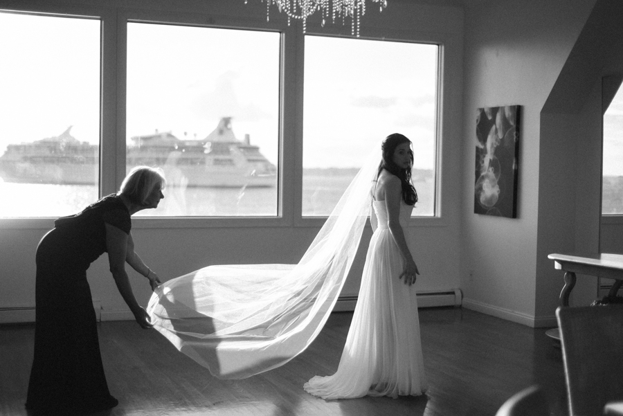 Belle_Mer_Island_House_Wedding-81.jpg