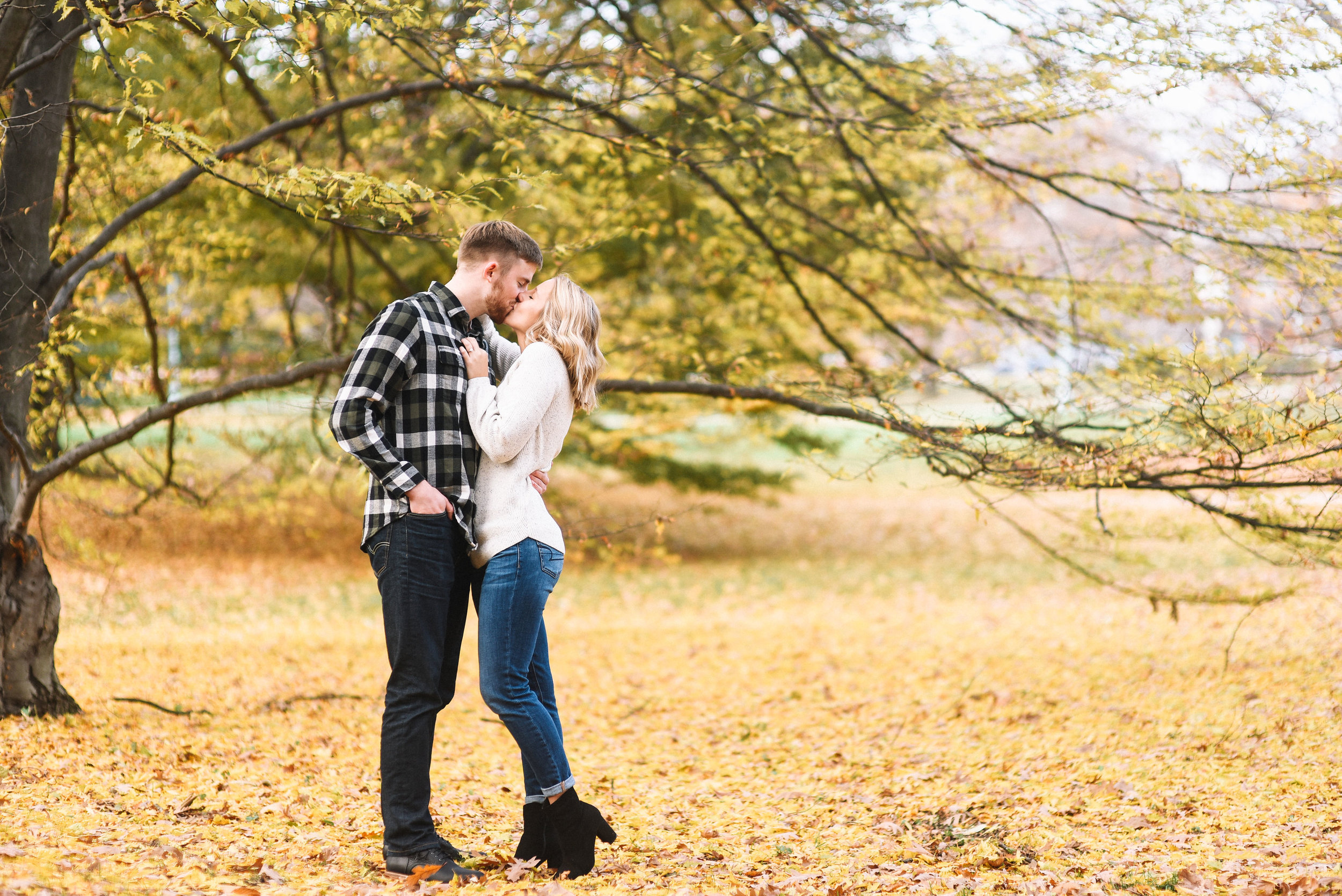 East_Lansing_Engagement_Photos-13.jpg