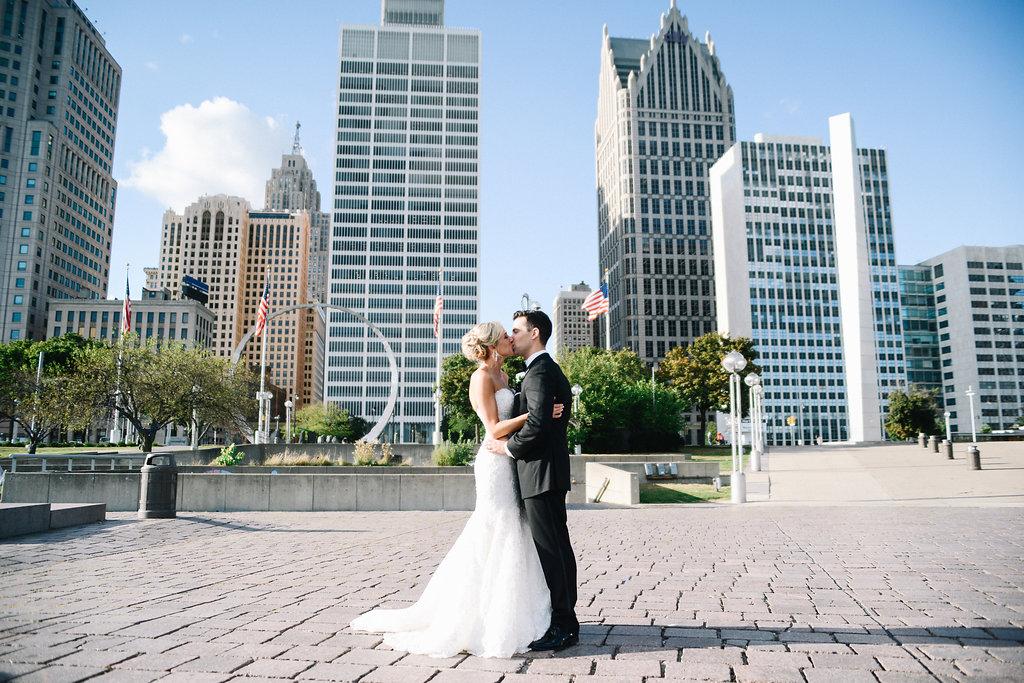 Downtown_Detroit_Wedding_Photos-693.jpg