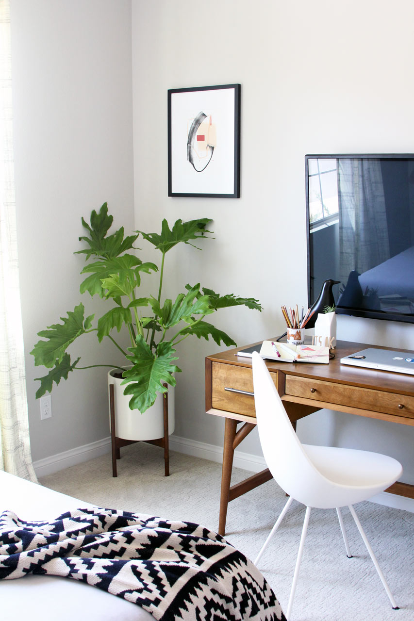 design-house-milk-guest-room-desk-planter.jpg