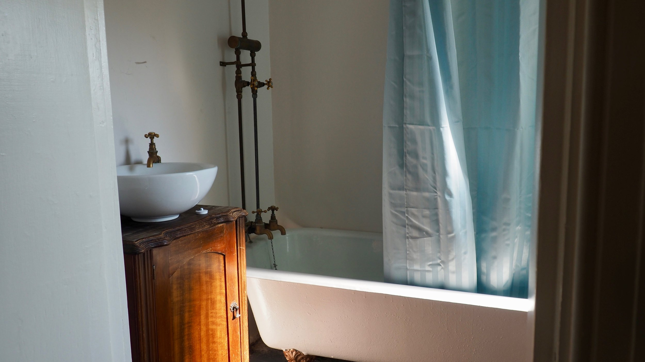 Alice and Caleb Pearson + Projects Renovation Road Trip Charmer in Alexandra Before Renovation DIY The Block NZ - 16.jpg