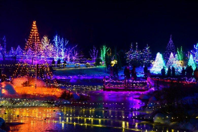 gardens-aglow-coastal-maine-christmas-lights-780x520.jpg