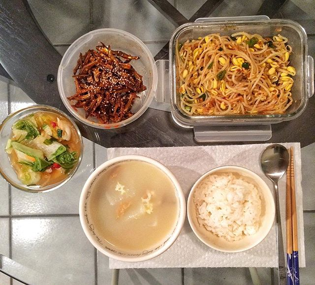 Dinner for 1. Too much. 🍚 #부거극 #멸치볶음 #콩나물무침 #반찬 #요리 #집밥 #koreanfood #homemade