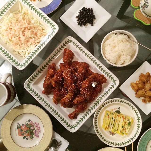 When I first made @maangchi 's Korean fried chicken recipe and fell in love 😍. Probably best kfc ive ever tasted!#양념텅닭 #계란마리 #콩자반 #감자조림 #저녁 #밥상 #집밥 #요리 #홈메이드 #먹스타크램 #홈쿡 #저녁 #koreanfriedchicken #homecook #homemade #cooking #onmytable #banchan #koreanfood #noms #foodporn #foodie #eeeeeats