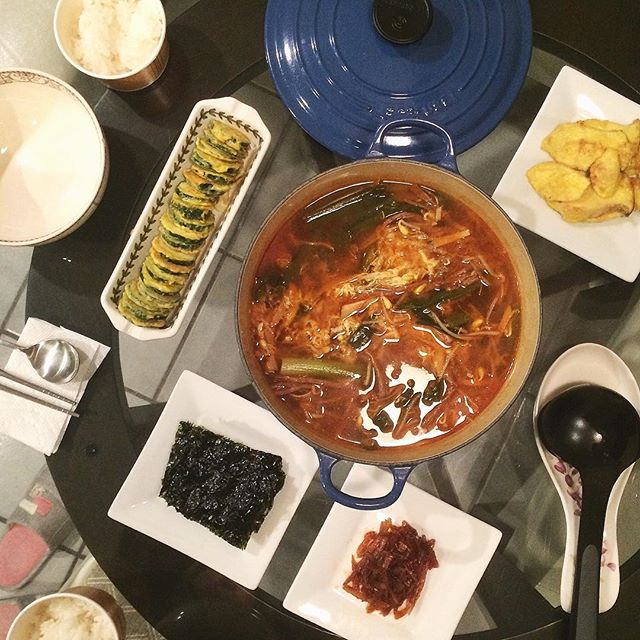 Yukhaejang/ so cool that traditional dishes are not that hard to make! #육개장 #호박전 #집밥 #밥상 #요리 #홈메이드 #먹스타크램 #홈쿡 #저녁 #homecook #cooking #onmytable #yukaejang #banchan #koreanfood #noms #foodporn #foodie