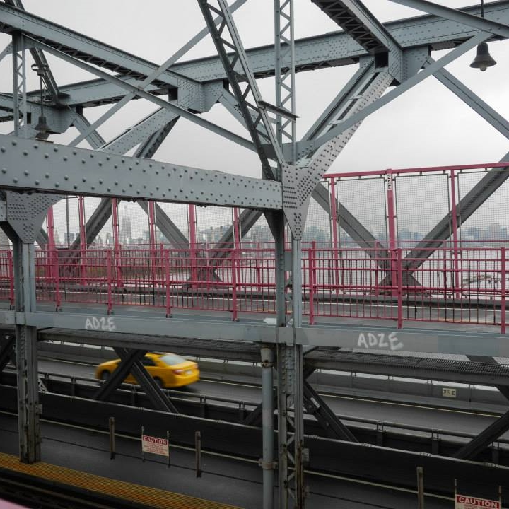 hello getaway, city guide, nyc, williamsburg bridge