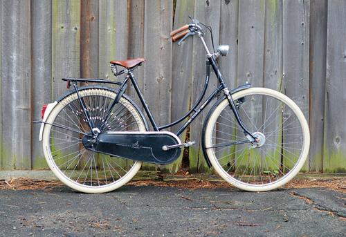 gazelle bike amsterdam.jpg