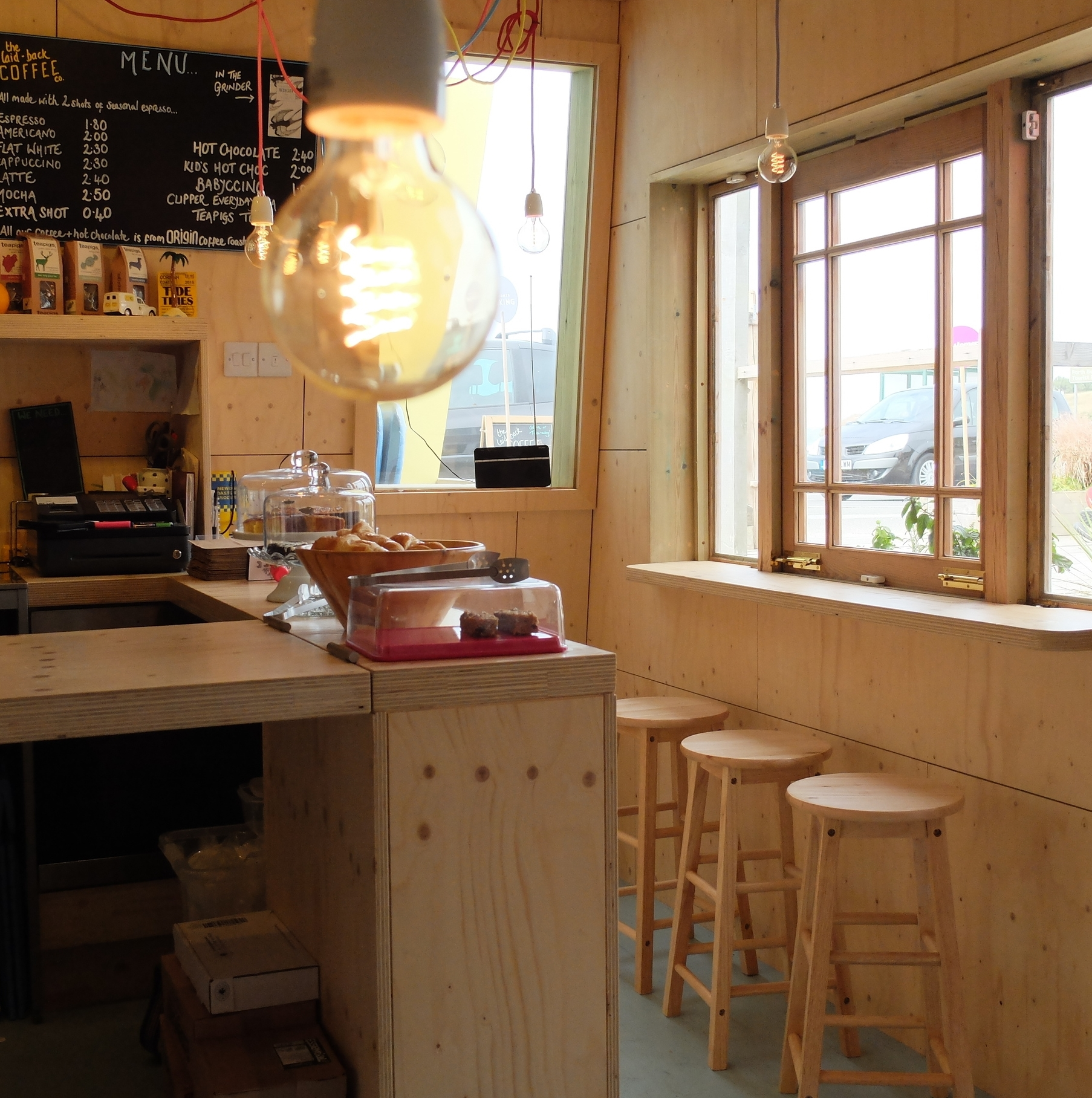 hello getaway, england, cornwall, newquay , the laid back coffee co