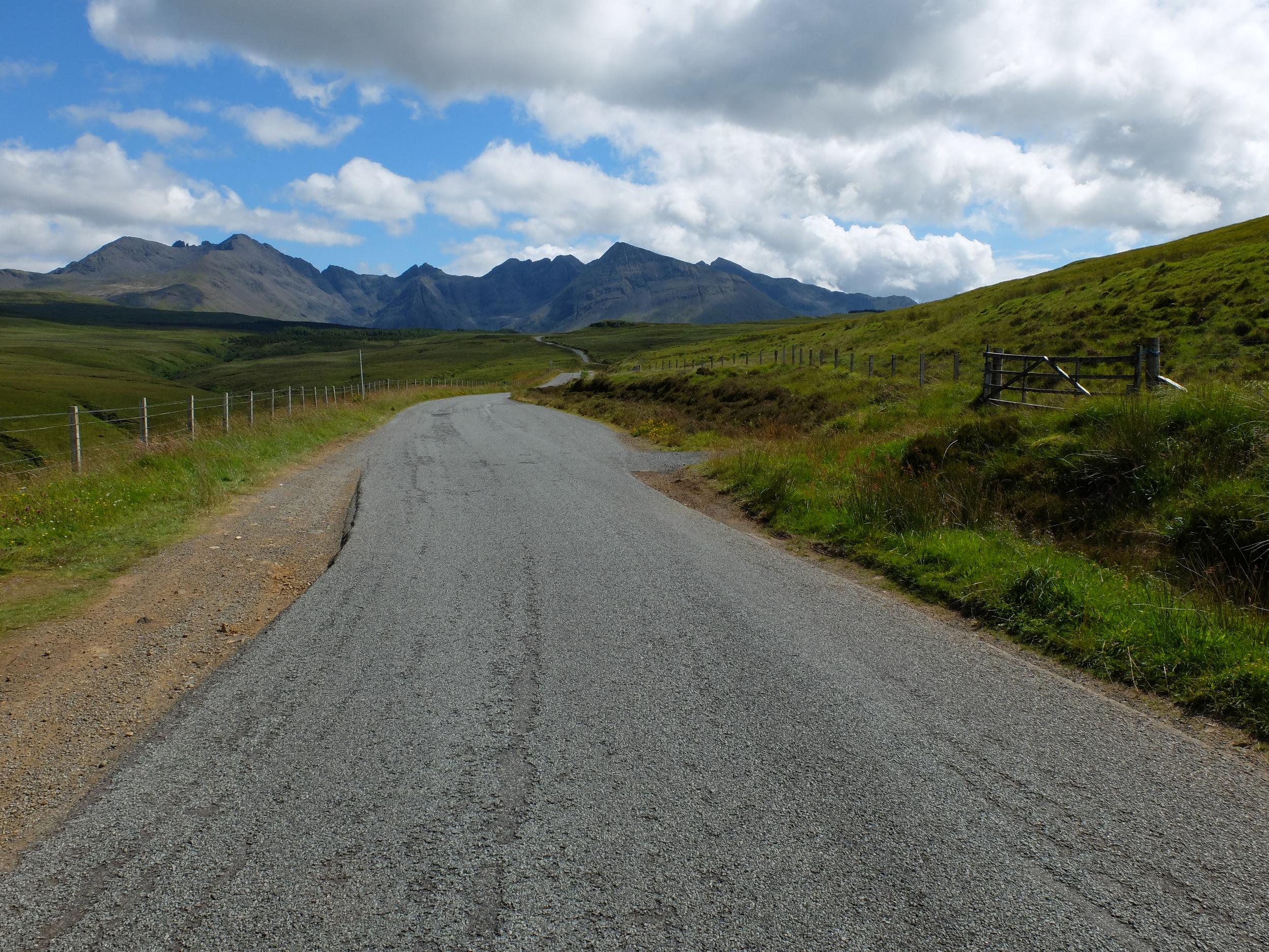 hello getaway, isle of skye, scotland, road trip, mountains