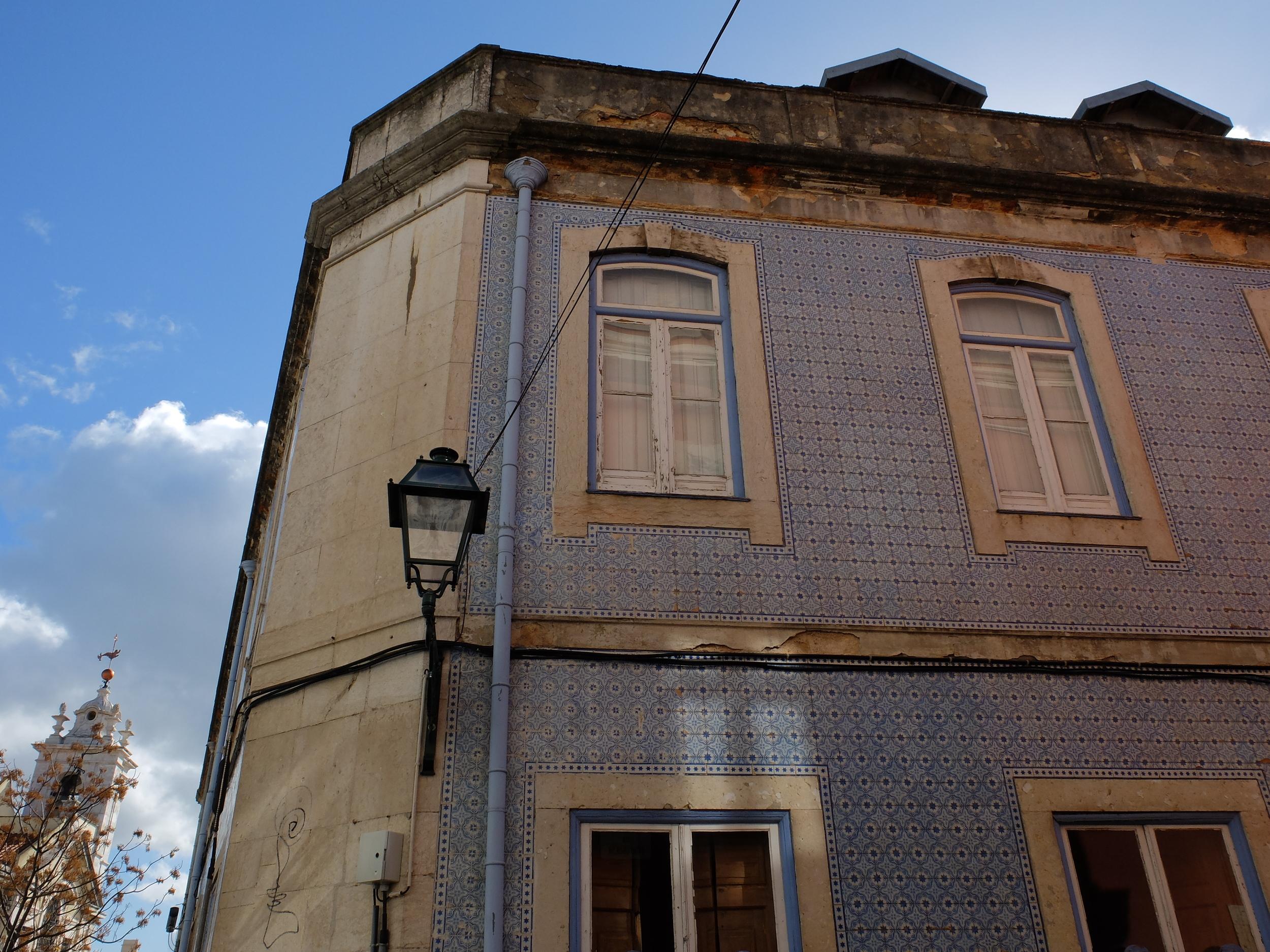 lisbon tiles portugal hellogetaway cityguide