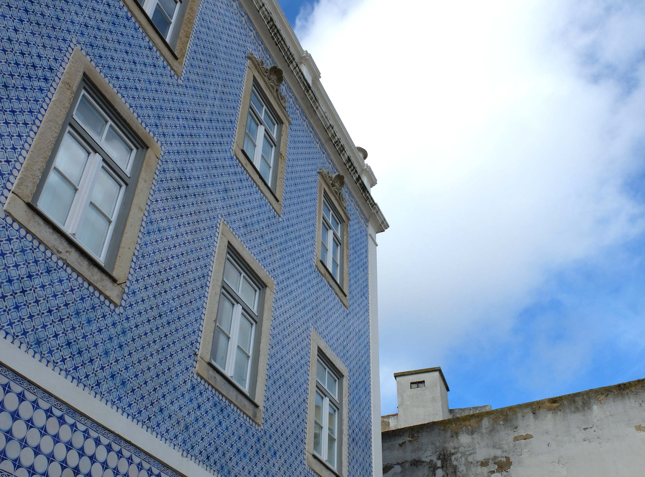 Lisbon tiles blue Lisbon hello getaway cityguide