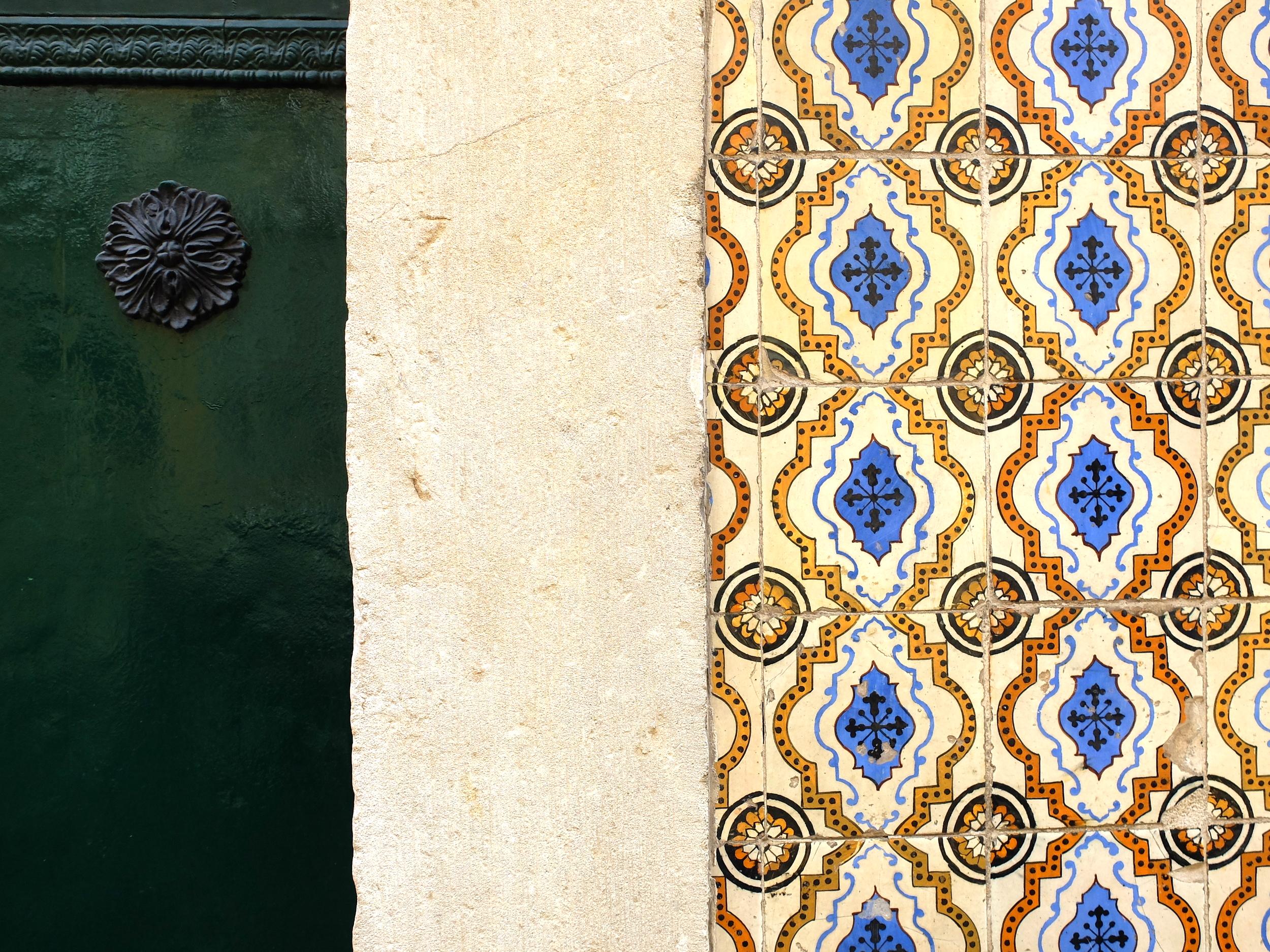 Lisbon tiles cityguide hellogetaway