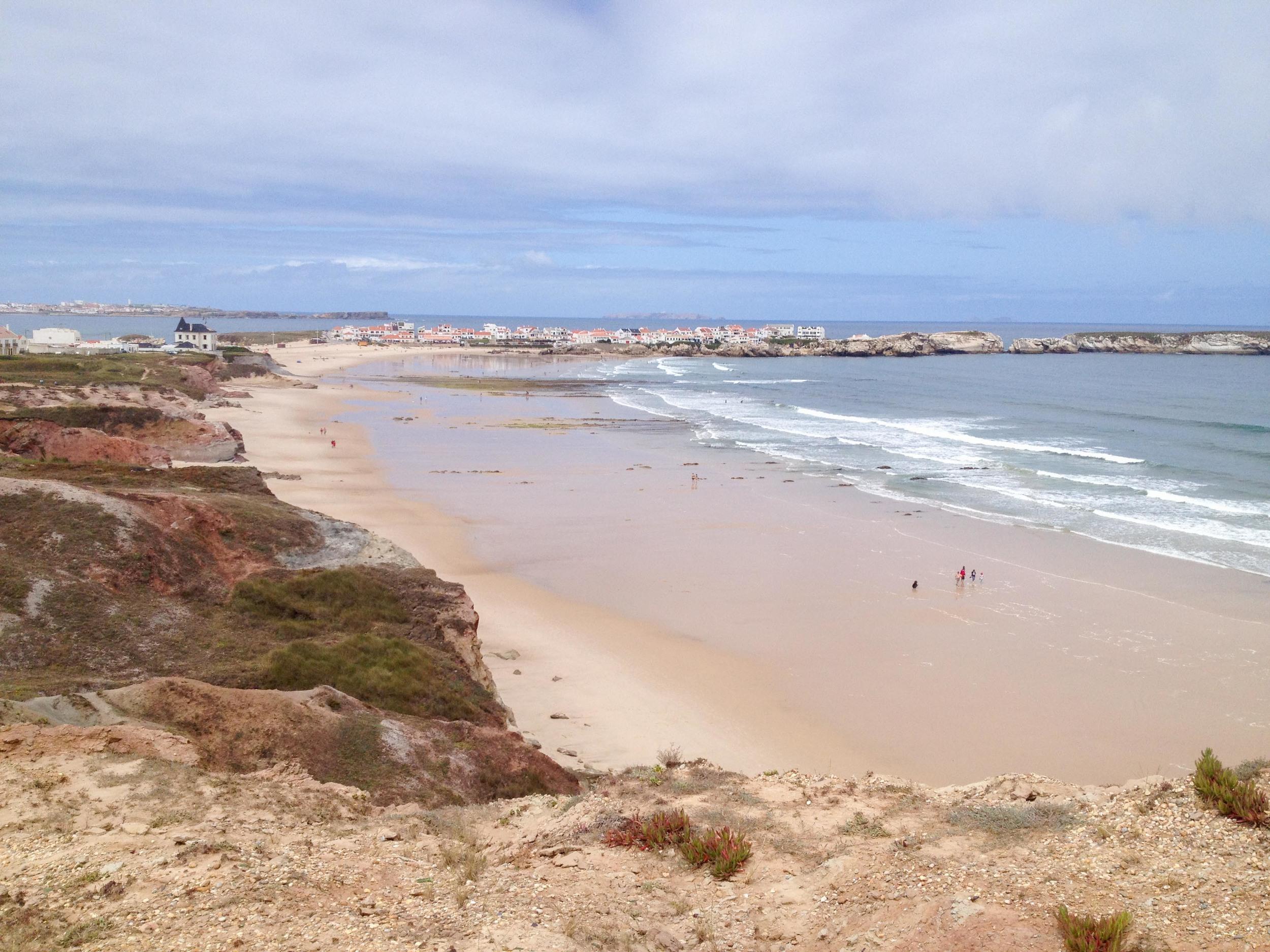beach portugal baleal surfing roadtrip hello getaway cityguide