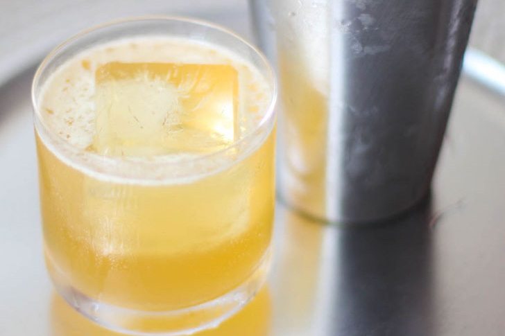Gold Rush - fresh lemon juice with a touch of honey, garnished with a lemon wheel