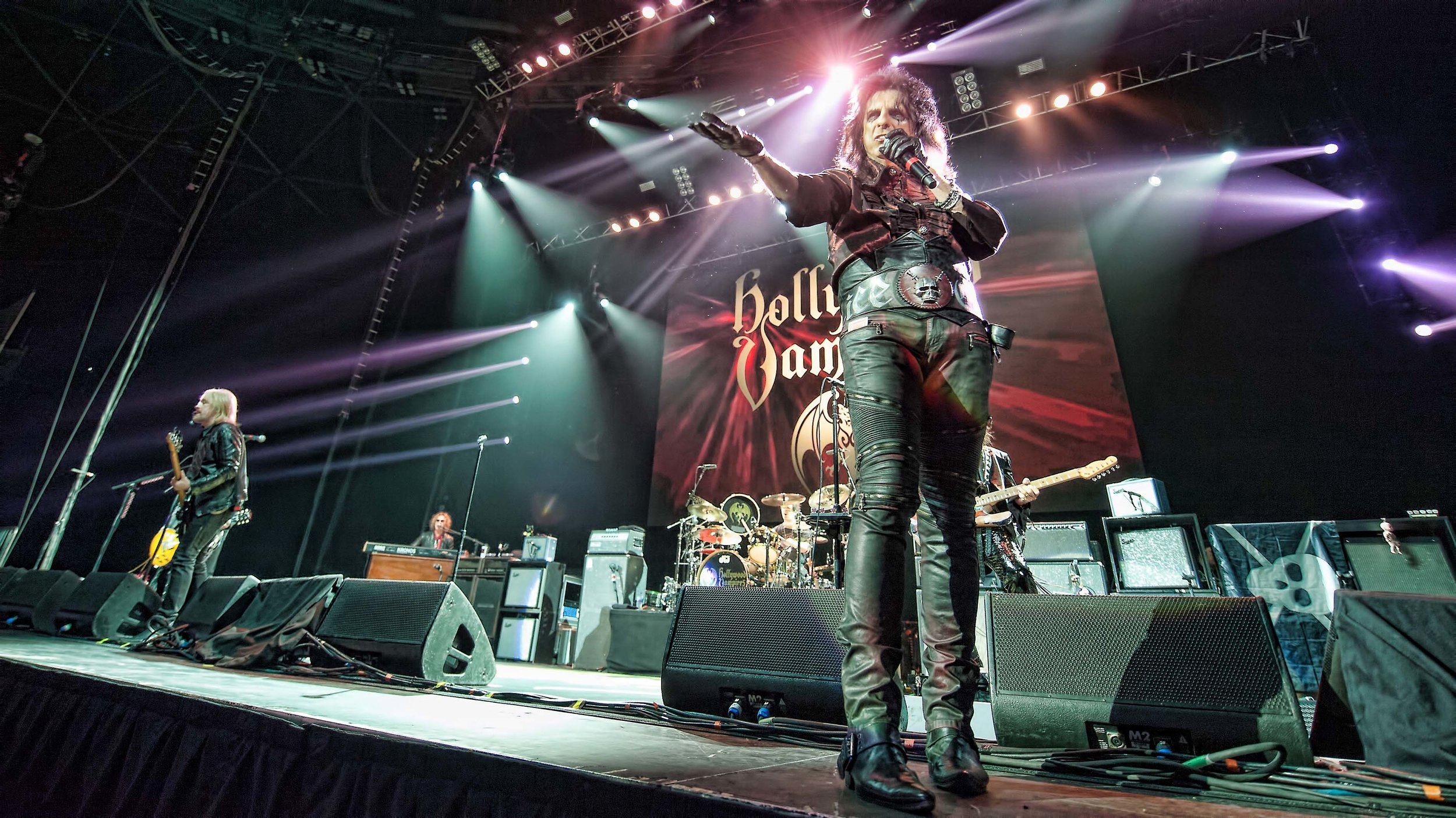 The Hollywood Vampires  At The SSE Hydro, Glasgow19-06-201813.JPG