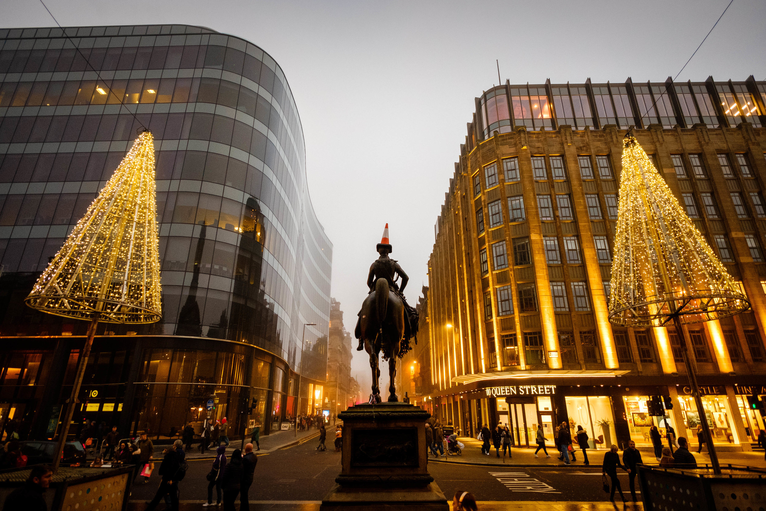 Glasgow at Christmas - Daily Life and People 1.jpg