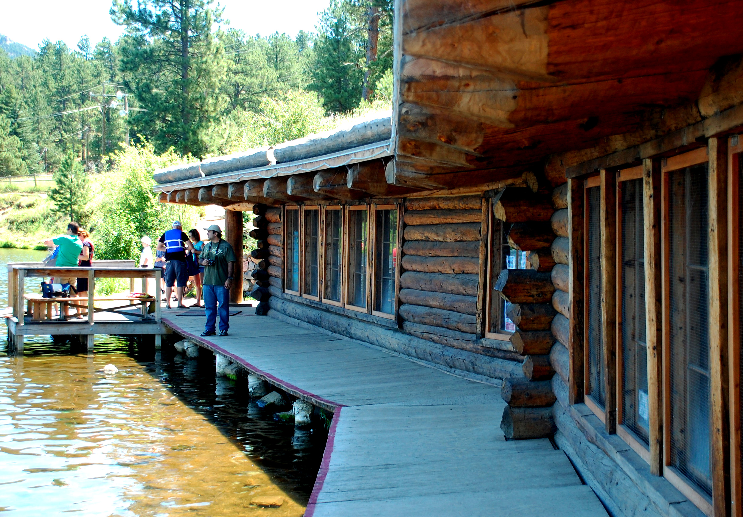 Evergreen Lake Warming Hut