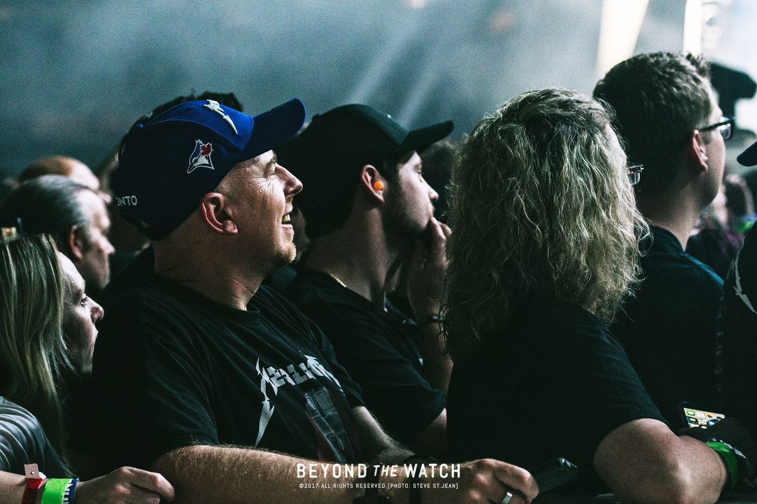Gazing fans. Everyone looked like they were in complete shock watching Metallica. It was that good.