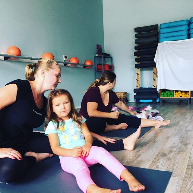prenatal and postnatal yoga/barre serving camas/vancouver/washougal