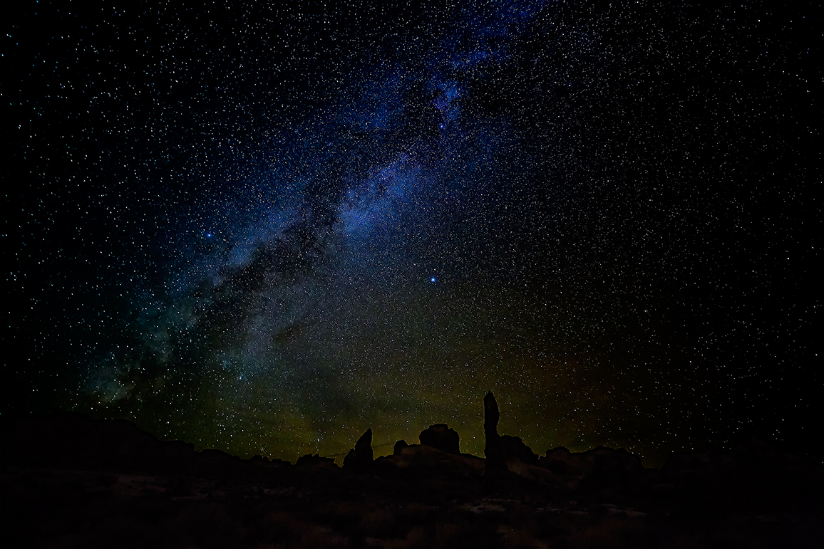 Milky Way Over Arches.jpg