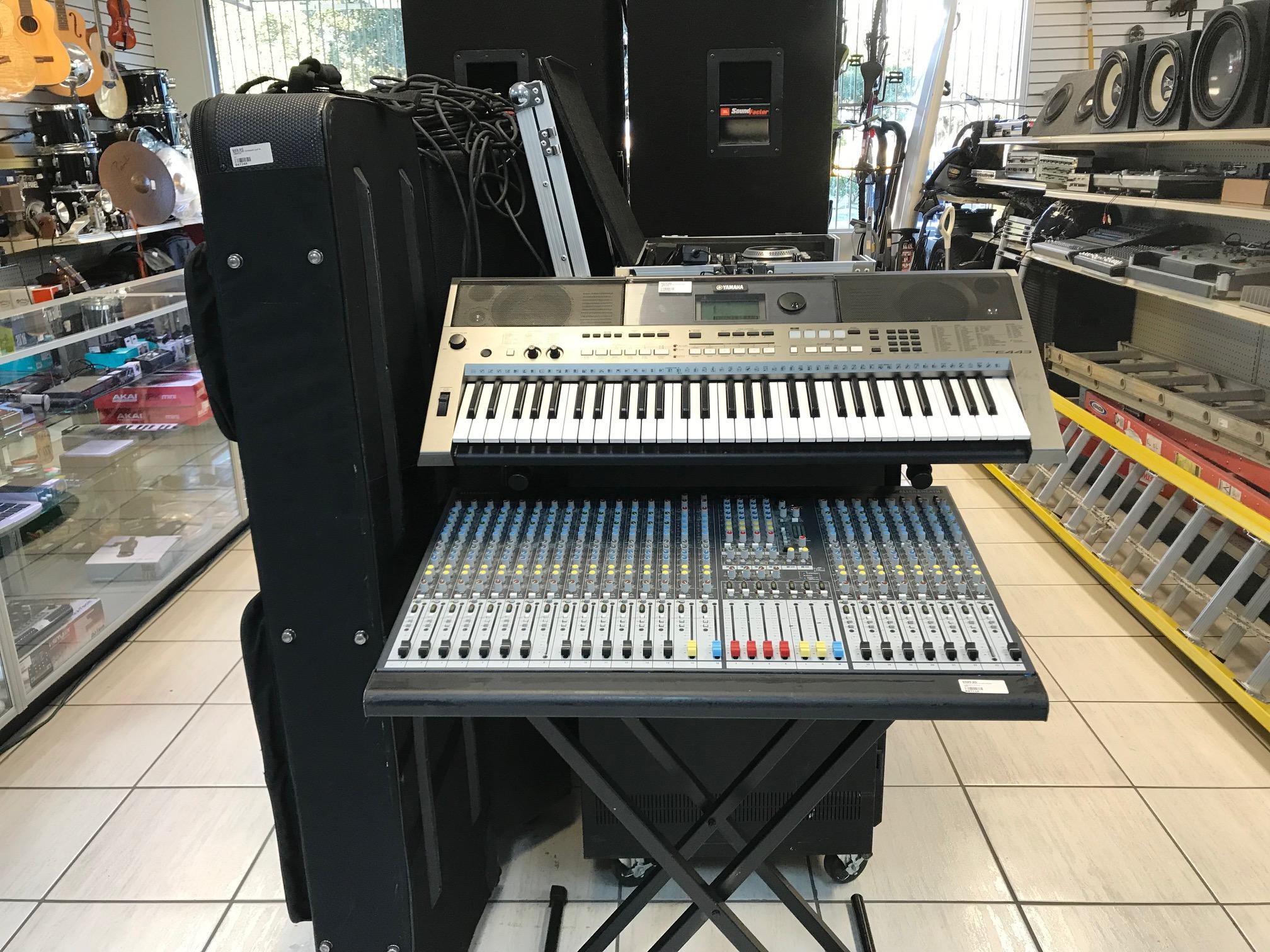 Pawn Box 001 interior 03.jpg