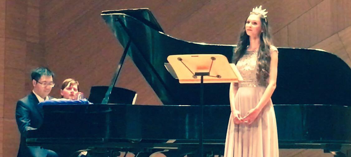 The Finnish goddess singing John Zorn's jumalattaret -