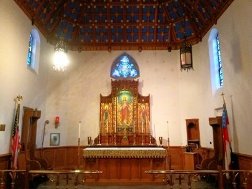 altar St Peters.jpg
