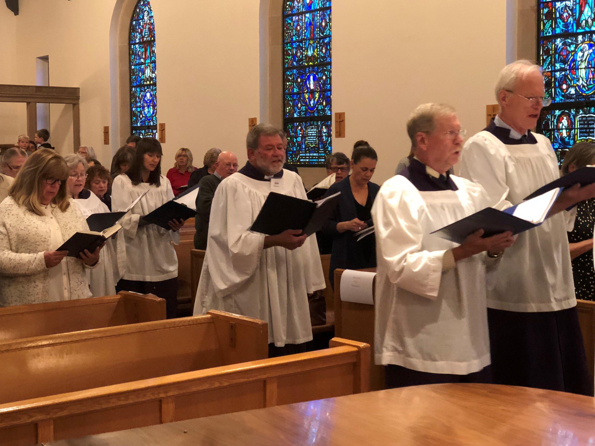 Choir procession 9.19.2018.jpg