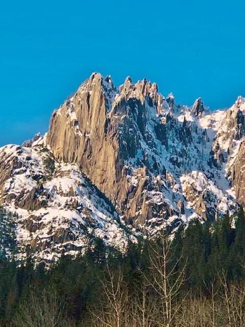 Crags.jpg