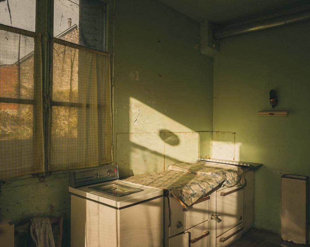 Lieux abandonnés - Beauce - la maison de Daniel - la machine à laver et la cuisinière