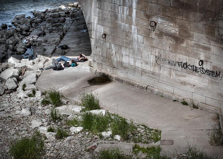 """Projet 26 - Temps libre - """"Fuck the system"""" sur les bords de Loire à Orléans"""