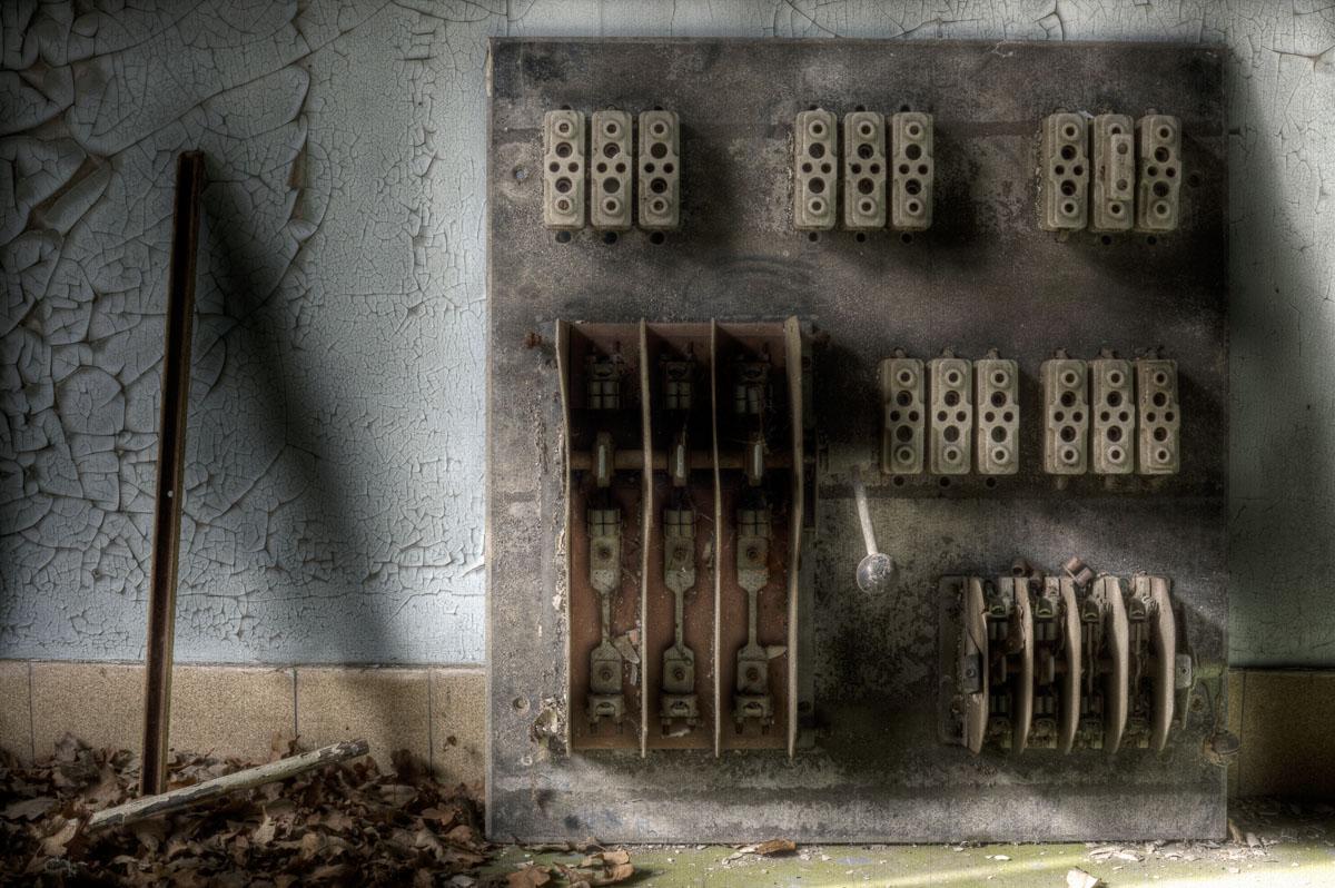 Lieux abandonnés - le préventorium Laelec - tableau électrique