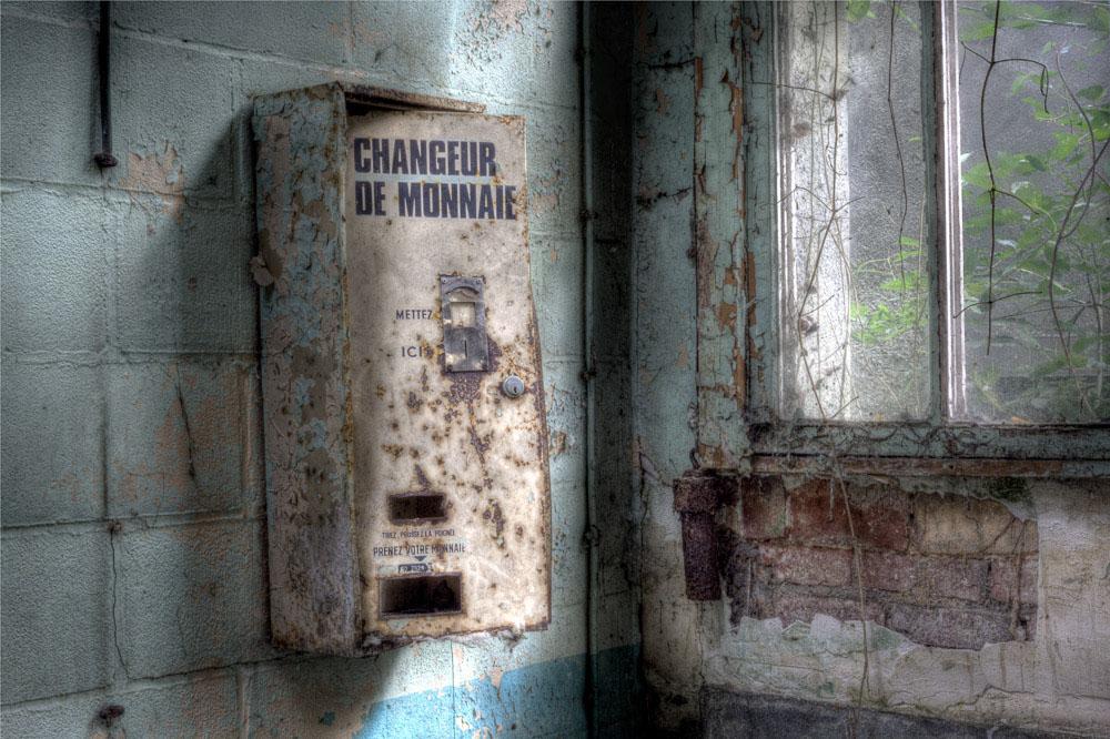 Lieux abandonnés - la filature Badin à Barentin - le changeur de monnaie