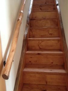 stair-rail-live-edge-225x300.jpg