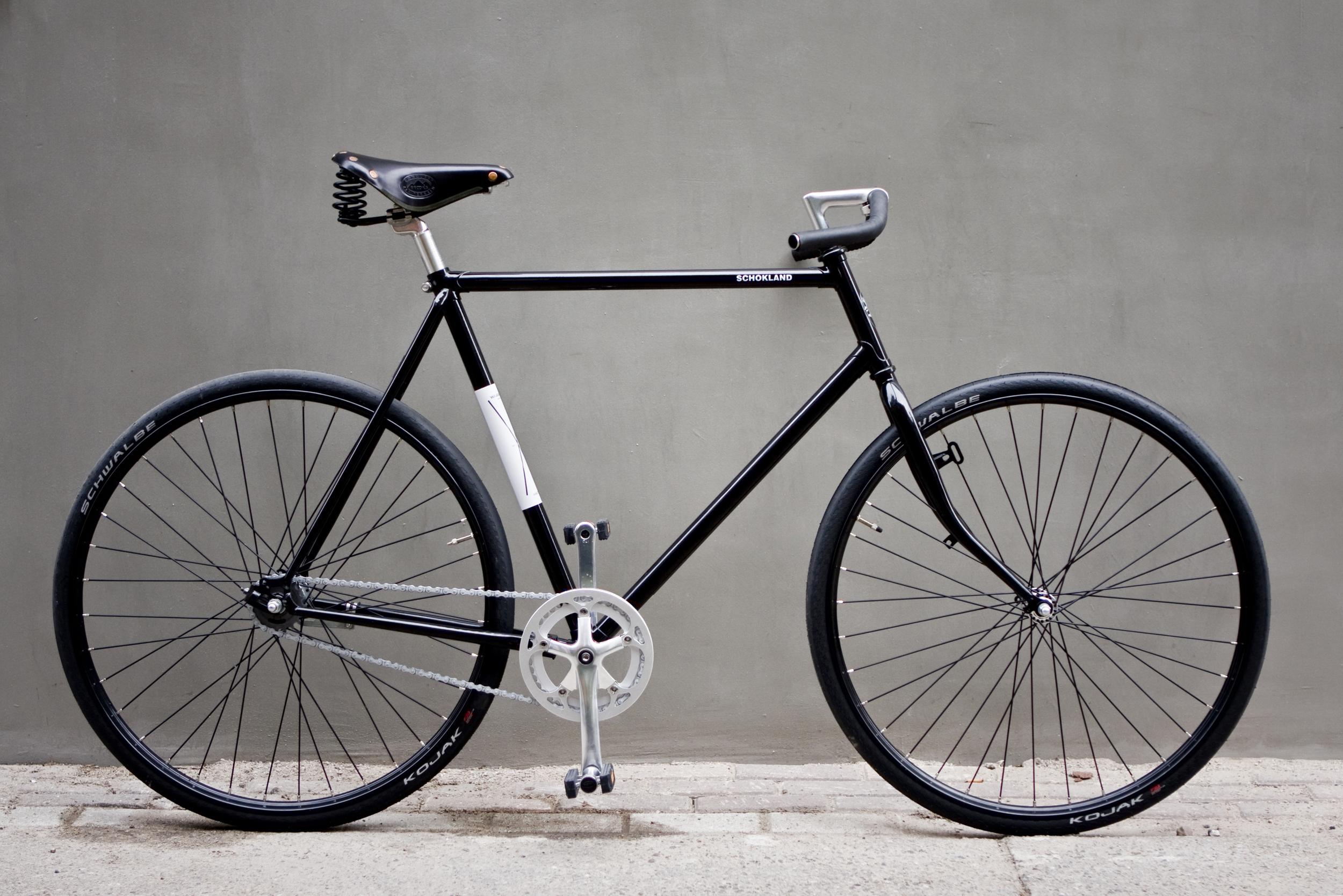 Azor Bikes - a gentleman's city racer