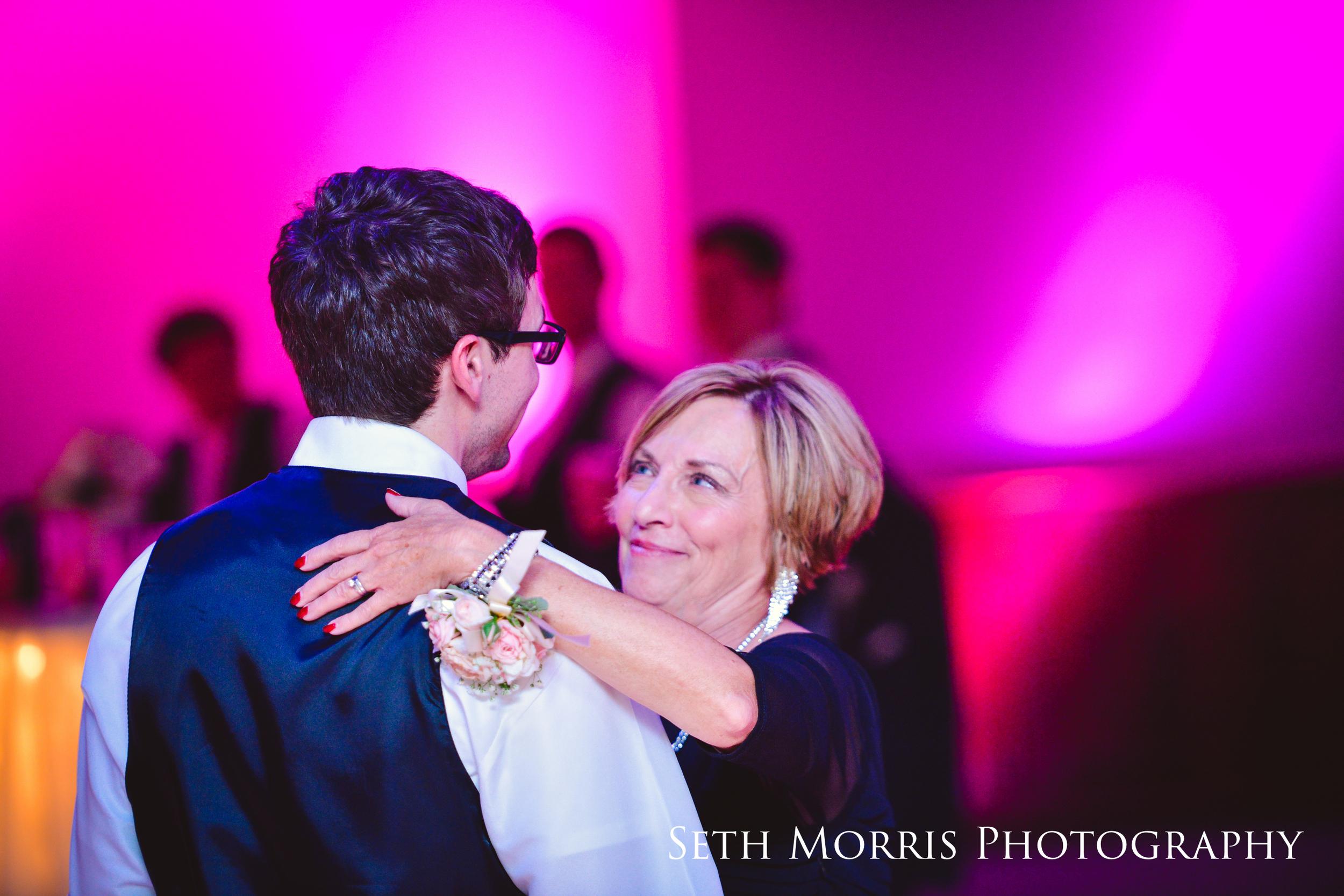 galesburg-wedding-photographer-visions-venue-57.JPG