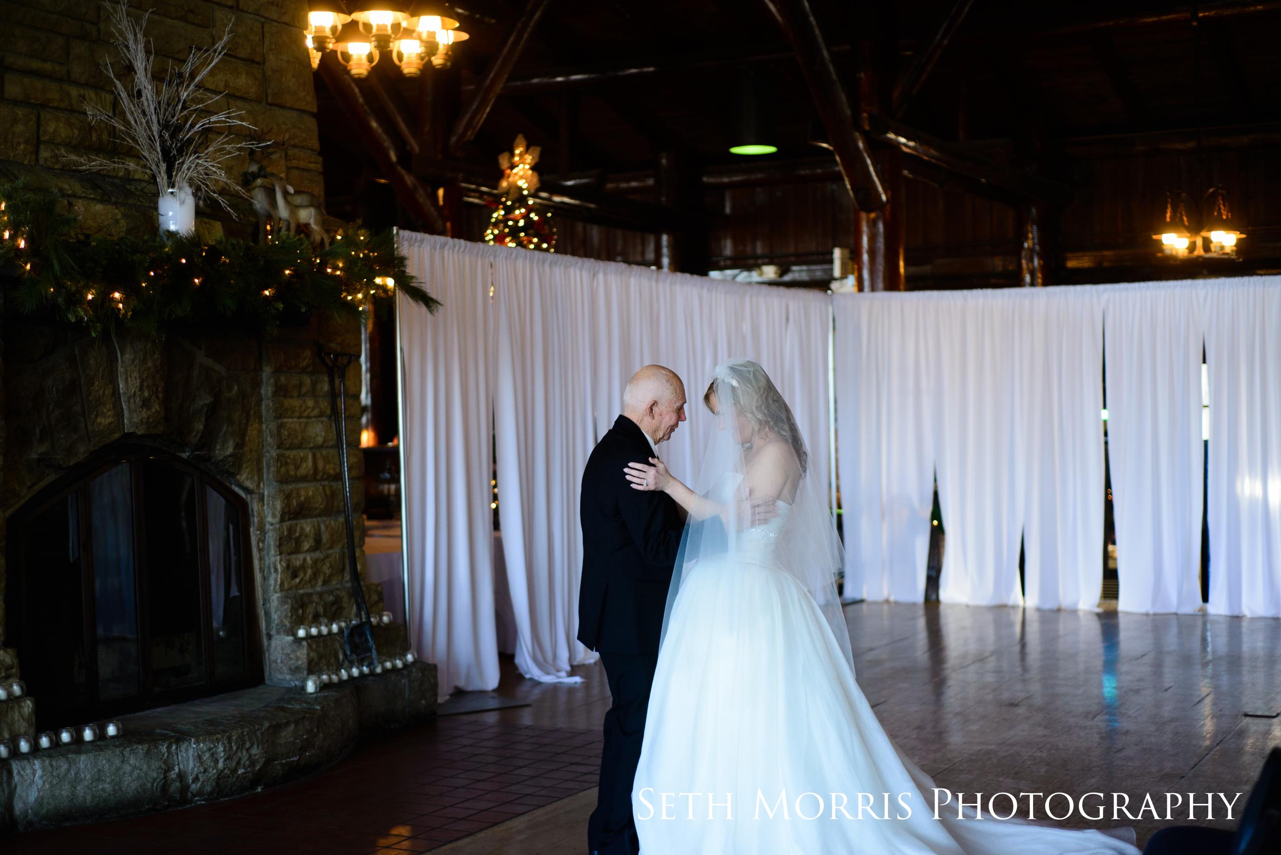 starved-rock-winter-wedding-chicago-illinois-5.JPG