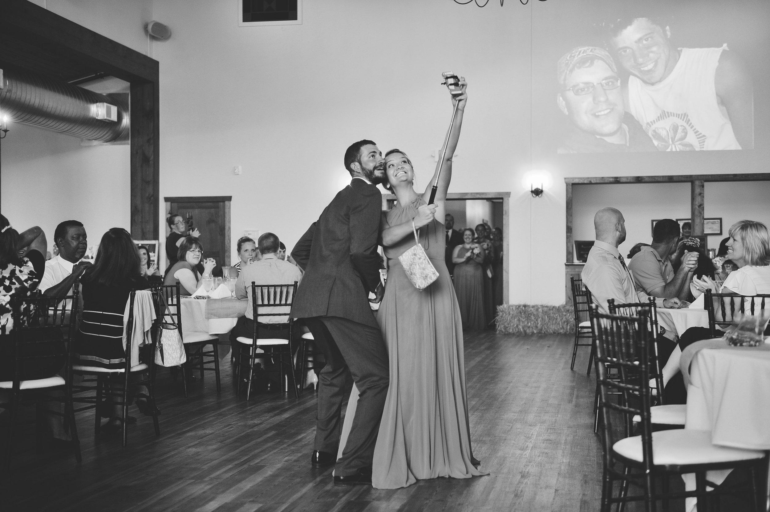 hornbacker-garden-barn-wedding-photo