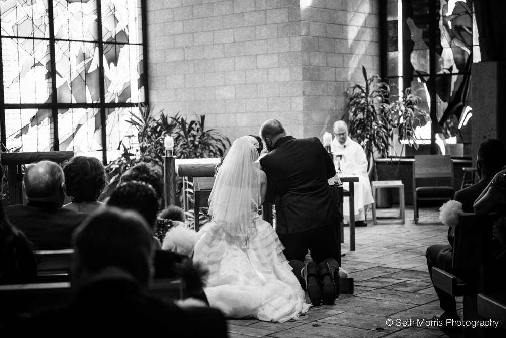 starved-rock-wedding-photographer-st-charles-wedding-23.jpg