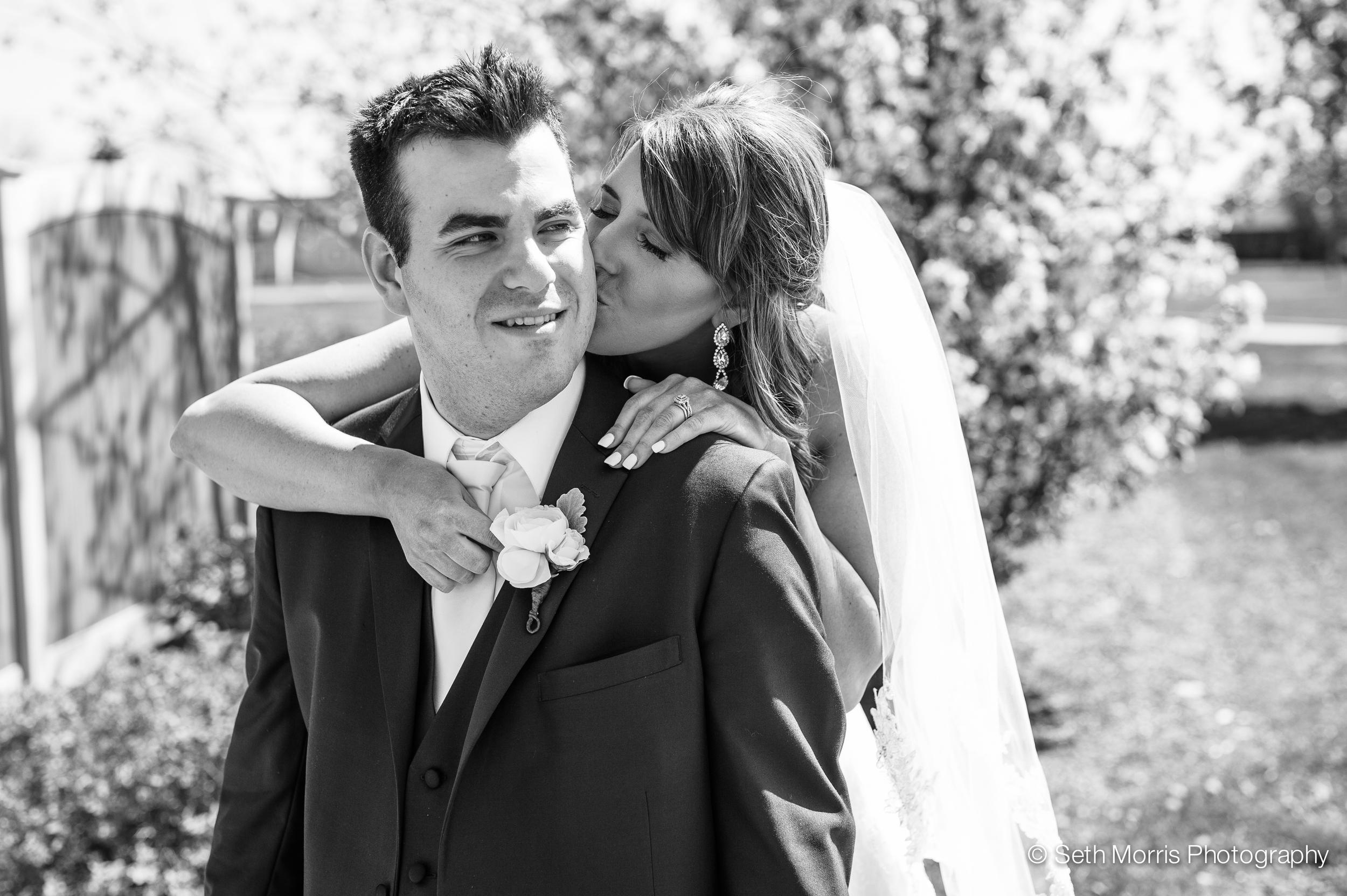 metamora-fields-wedding-photographer-peoria-120.jpg