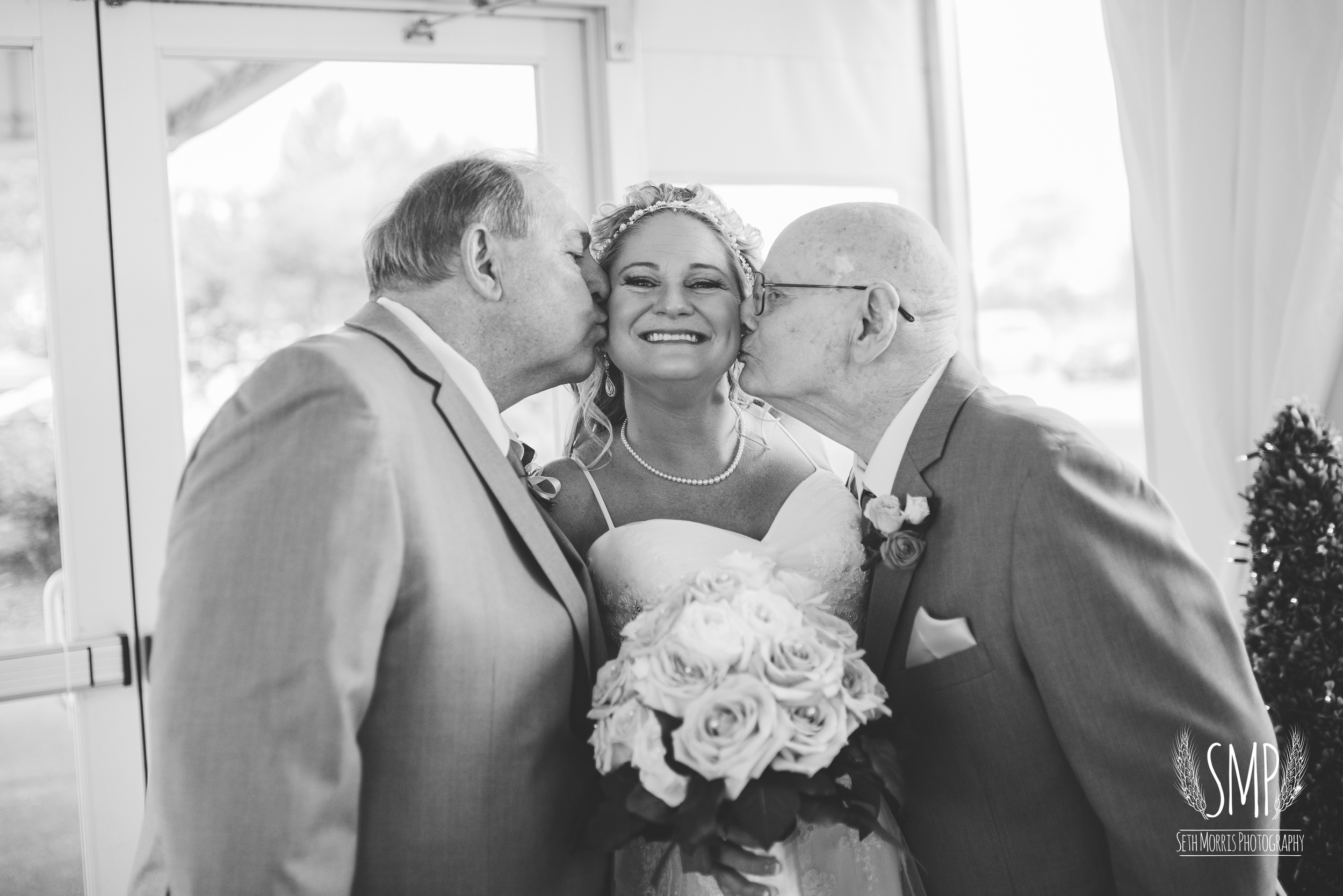 morris-country-club-spring-wedding-photographer-25.jpg