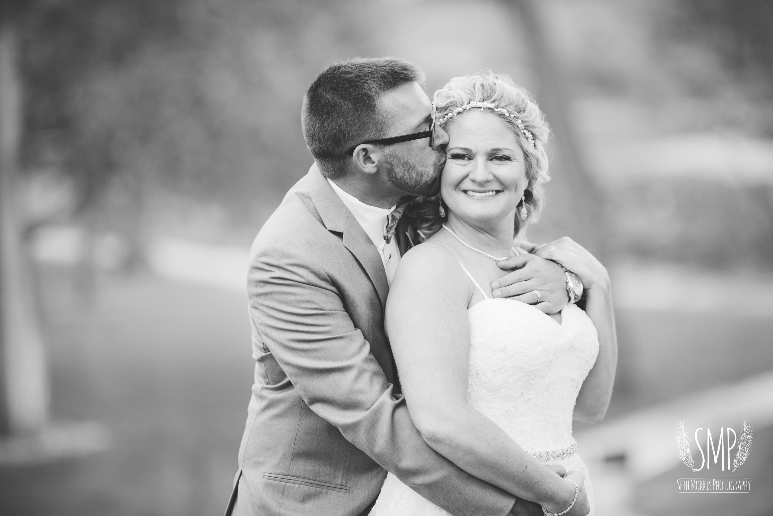 morris-country-club-spring-wedding-photographer-74.jpg