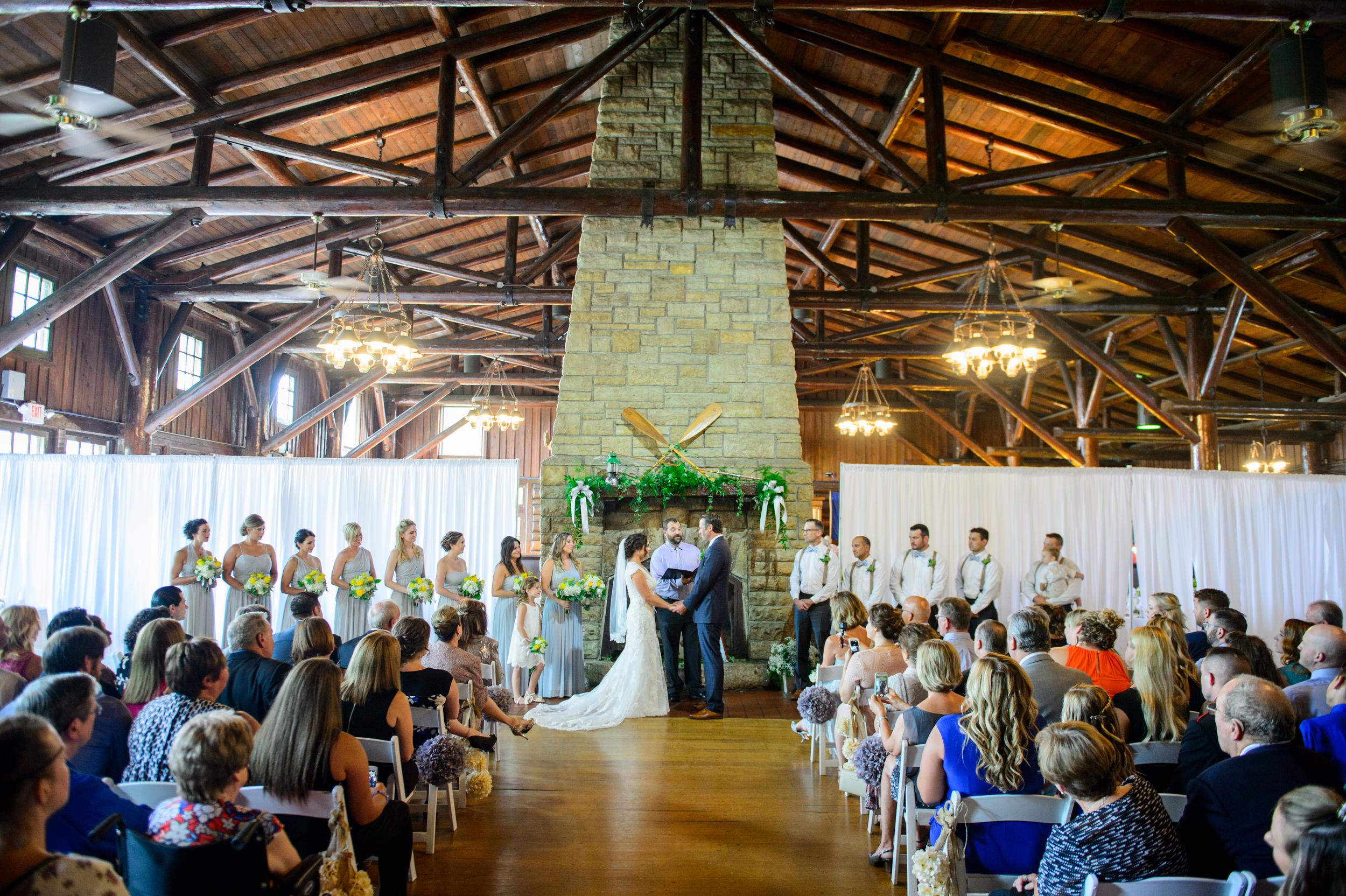 indoor-summer-wedding-starved-rock-seth-morris-photography-50.jpg