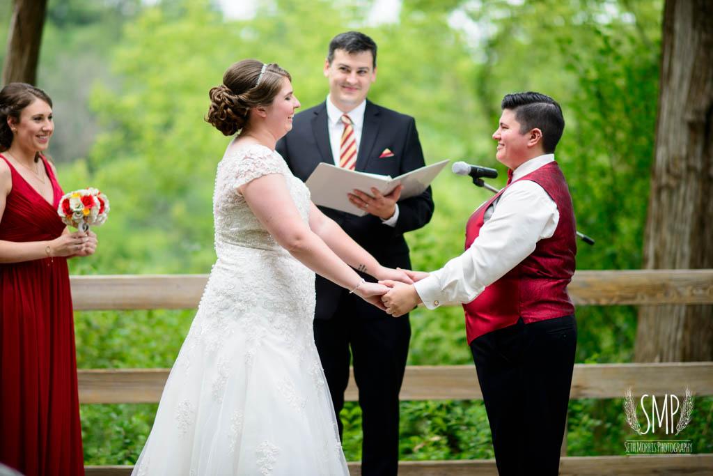 harry-potter-lesbian-starved-rock-wedding-photographer-25.jpg