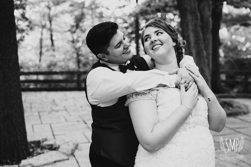 harry-potter-lesbian-starved-rock-wedding-photographer-42.jpg