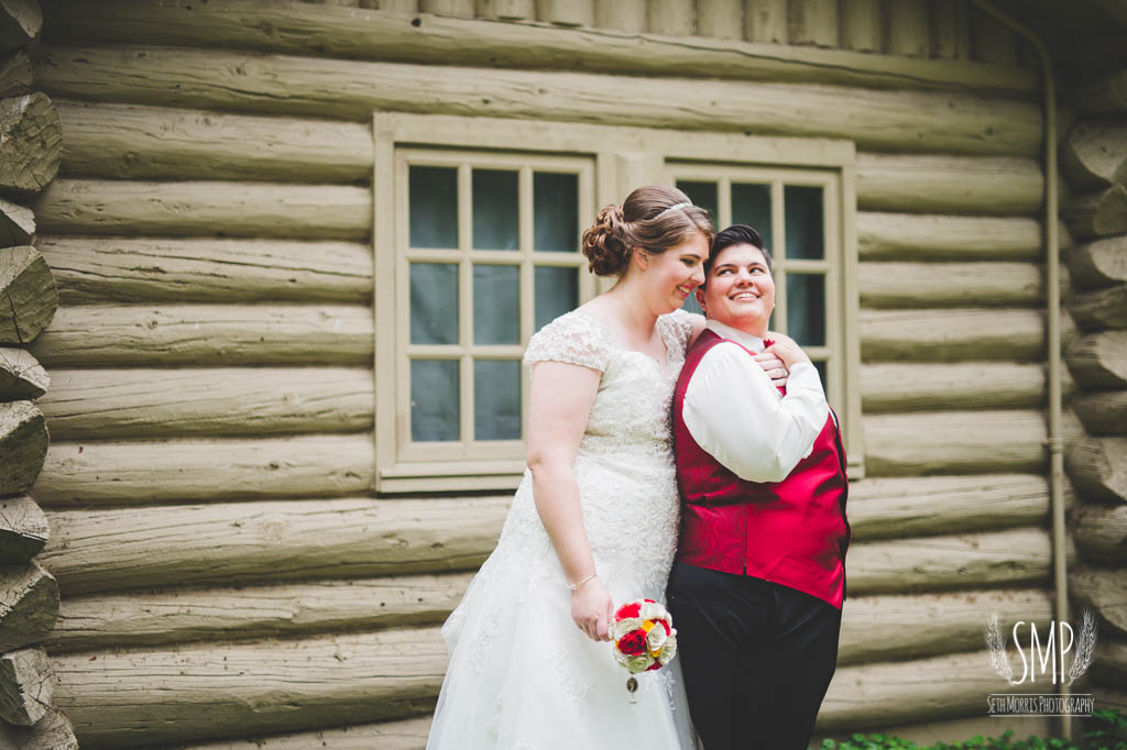 harry-potter-lesbian-starved-rock-wedding-photographer-47.jpg